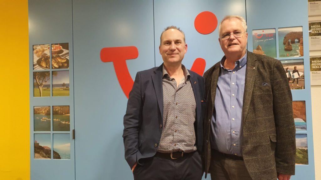 Geschäftsbesuch Wolfgang Grupe TUI Reisecenter mit Kreative Kommunikation Sven Jagata