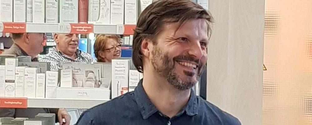 Mal vorbeigeschaut – Geschäftsbesuch in der Bahnhof-Apotheke bei Simon Brinkmann