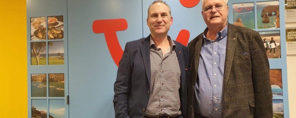 Geschäftsbesuch bei Wolfgang Grupe im TUI Reisecenter mit Co Gastgeber Sven Jagata von Kreative Kommunikation